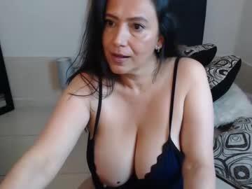 ivy_boobs